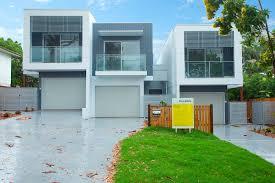 16 decorative split level residence