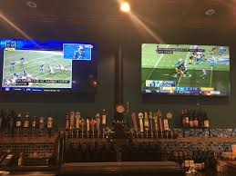 round table pizza clubhouse dual 72 in hdtvs in bar