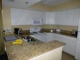 Carolinian Beach Resort: Kitchen   Corner 2 Bedroom Suite