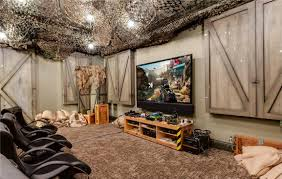 Home Interiors:Awesome Design For Game Room With Unique Rug And Black Sport  Chair Ideas