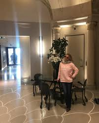 Britney Spears - Such a joy to stay at the Hotel Lutetia... | Facebook