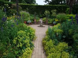 Small Picture Unique English Garden Design Photo Of An Example 2 Inside Decorating