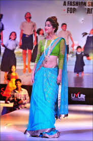 Download Hot Pic s Madhurima Hot Navel Showing by Saree drop