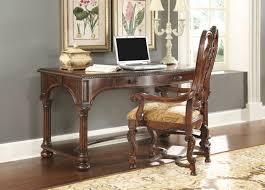 desk w chair magnifier
