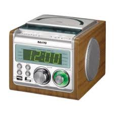 sanyo-rmxcd900-clock-radio-220-volts.jpg Sanyo RM-XCD900 220 Volt Dual Alarm Clock Radio CD Player