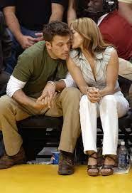 Despite only publicly stepping out as a couple. Ben Affleck Er Tragt Die Gleiche Uhr Die Jennifer Lopez Ihm 2002 Geschenkt Hat Aber Um Welches Modell Handelt Es Sich Nur Gq Germany