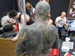 выявлены неожиданные опасности татуировок