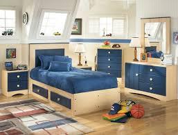 Merry Little HomeLittle Home Decor
