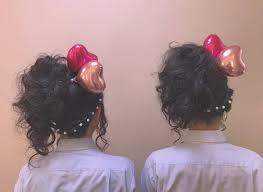 盛り髪にバルーンとパールで双子ヘア 目立つ事間違いないですね