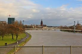Франкфурт на Майне город Германия земля Гессен Германия Река Майн во Франфурте на Майне