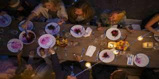 Rehearsal Dinner Seating Chart Etiquette Wedding Etiquette 101 Who To Invite To Your Rehearsal