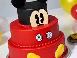 Sams Club Is Selling 3 Tier Mickey Mouse Cakes For The Characters