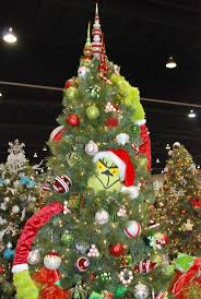grinch stealing christmas tree | Grinch Who Stole Christmas themed tree