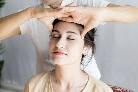 Bagian belakang pada kepala bisa saja terasa sakit karena adanya ketegangan pada leher bagian belakang. Beragam Teknik Pijatan Untuk Migrain Yang Bisa Anda Coba