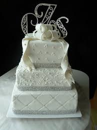 14 best Wedding Cakes images on Pinterest | Cake ideas, Cake ... & This is our favorite cake: the quilt pattern, the pearl details, and the  sparkly ribbon all work together really well. Preferably the ribbon would  be a gold ... Adamdwight.com