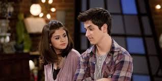 The kids must go on an adventure to save their family and their existence. David Henrie Teases The Return Of Disney S Wizards Of Waverly Place Spinsouthwest