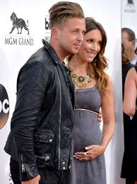 ryan tedder and wife. Unique And Sadly Ryan Has A Wife But CHECK OUT HOW GOOD LOOKING THIS FAMILY IS And Tedder Wife Capital FM