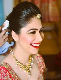 fatima soomar i ve seen a lot of her brides in person and they are lovely simple clean and beautiful her makeup style is y fresh and youthful