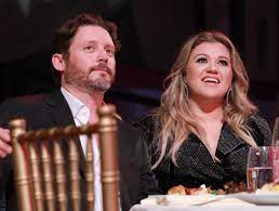 Kelly Clarkson Ended Her Marriage ...