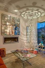 MID CENTURY MODERN Christmas tree..i like the tree but i like the ...