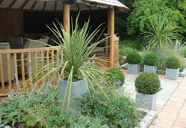 garden designer. Gill Vaughan Is An Experienced, Trained Garden Designer Based In Newbury, Berkshire. She Established Her Practice 2002 And Has Since Worked On Hundreds