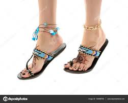 фото тату на ноге женские ножки с хной татуировка стоковое фото