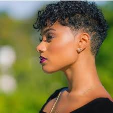 If you have hair curly hair like drake, you must try drake curly hairstyle, most of drake hair design with some fade haircut like mid fade and bald fade haircuts. 20 Short Curly Afro Hairstyles Hair Tips