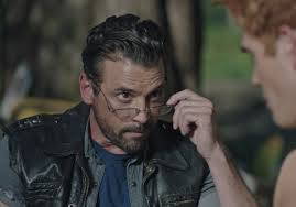 katie louise smith on Twitter | Skeet ulrich riverdale, Skeet ulrich,  Riverdale cast