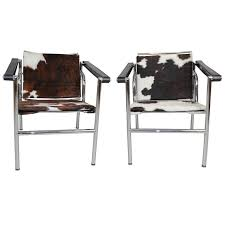 le corbusier style lc1 sling chair in cowhide by design within reach for