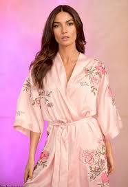 Bella Hadid poses ahead of Victoria\u0027s Secret Fashion Show | Daily ...