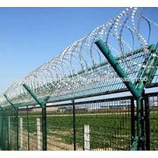 China Razor barbed wire fencegalvanized iron wire or plastic coated