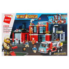 <b>Конструктор</b> пожарная станция с машиной и фигурками, 523 дет ...