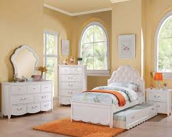 Acme Cecilie 4pc Upholstered Bedroom Set in White