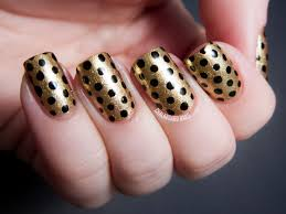 Simple Polka Dots Nail Designs Easy to Do for Beginners