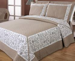quilted bed covers. Delighful Bed New European Styles Cotton Brown Classical Embroidery Quilting Bed Cover  Air Conditioning Bedspread Bedding SetPatchwork Quiltin Bedding Sets From Home  And Quilted Bed Covers D