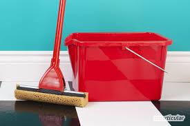 Viele fußböden benötigen spezielle fußbodenreiniger und besondere pflege. Linoleumboden Richtig Reinigen Und Pflegen Mit Hausmitteln