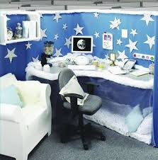 decorations for office cubicle. 12 coolest pimped cubicles decorated cubicle decorations for office o
