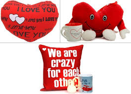 valentine s day cushion hers under rs 1000