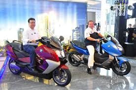 BMW 5 Series bmw c600 for sale : BMW C600 Sport and C650 GT Unveiled by BMW Group Malaysia ...