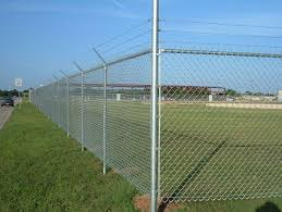 image of diy chain link fence ideas