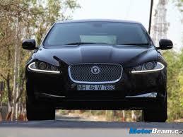 Mimo niewielkich różnic w wyglądzie pojazdu od pierwszej generacji, auto zaprojektowane zostało od podstaw. Jaguar Launches Xf 2 0l Petrol In India
