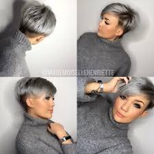 De Nieuwste Trend In Grijze Kapsels Halflang Haar