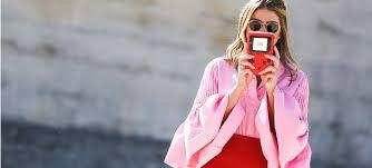 Αποτέλεσμα εικόνας για Κόκκινο και Ροζ: To color combo που θα φορεθεί όσο κανένα φέτος τον χειμώνα