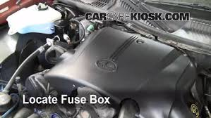 replace a fuse lincoln town car lincoln town car replace a fuse 1998 2011 lincoln town car 1999 lincoln town car signature 4 6l v8