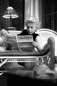 marilyn-monroe-black-polo-neck.jpg (1058×1600) | Reading | Pinterest