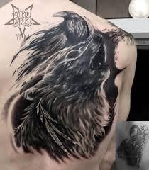 волк с вороном перекрытие старой татуировки на спине сделать тату