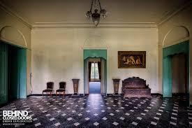 la chapelle de la. Chateau De La Chapelle - Tiles Floor Room With Furniture