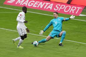 Manuel neuer is a goalkeeper and is 6'2 and weighs 176 pounds. Manuel Neuer Erklart Sein Erfolgsgeheimnis Beim Fc Bayern Watson