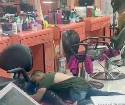in queens nail salon