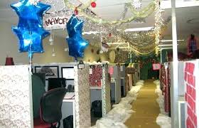 Office decoration themes Small Office Christmas Decorating Themes Office Furniture Ideas Medium Size Office Decorating Themes Chic Ideas Decorations Best Office Christmas Decorating Themes Xvivxinfo Christmas Decorating Themes Office Decorations Top Office Decorating